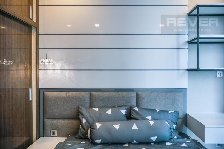 Phòng Ngủ 1 Cho thuê căn hộ Vinhomes Golden River tầng cao, đầy đủ nội thất, view Sài Gòn và Bitexco