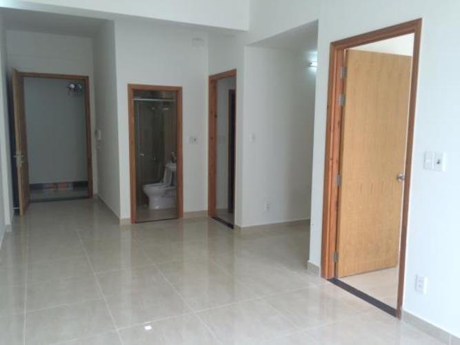 không gian căn hộ CBD Premium Home Căn hộ CBD Premium Home tầng trung, view nội khu hồ bơi.