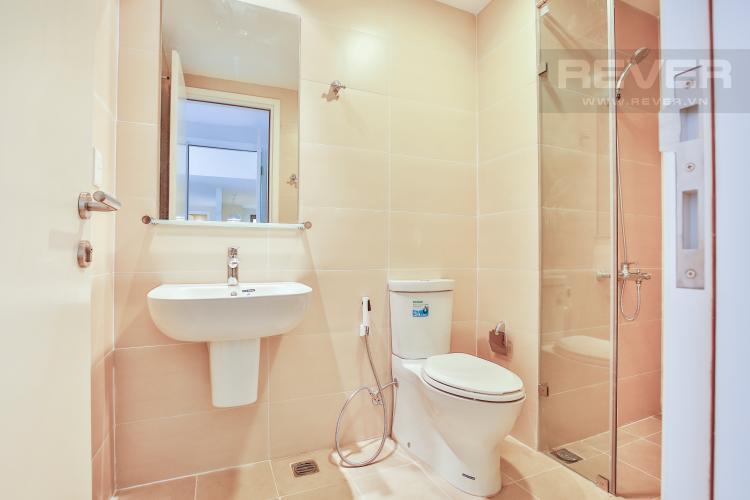 Toilet 1 Căn góc Masteri Thảo Điền tầng cao T5 view trực diện sông