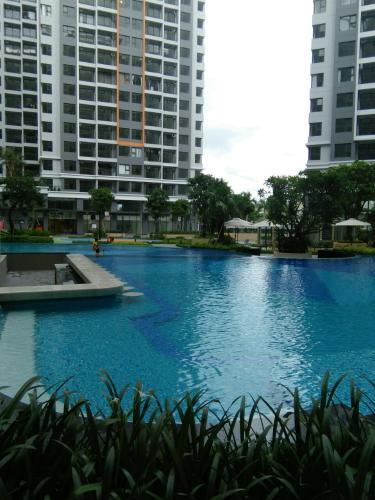 Hồ bơi căn hộ Safari Khang Điền Cho thuê căn hộ Safira Khang Điền tầng trung, 2 phòng ngủ, diện tích 67.23m2.
