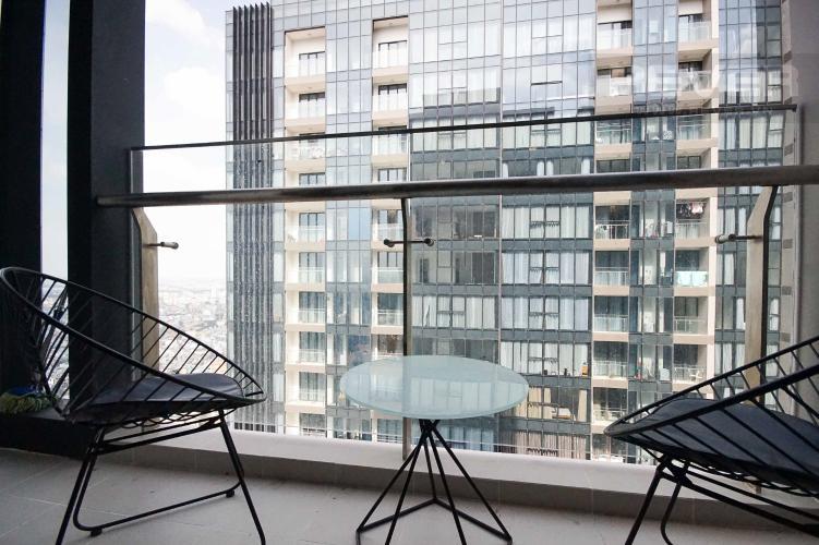 Balcony Cho thuê căn hộ Vinhomes Golden River 1PN, tầng cao, đầy đủ nội thất, view sông thoáng mát