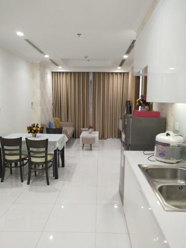 Phòng ăn và bếp căn hộ VINHOMES CENTRAL PARK Bán hoặc cho thuê căn hộ Vinhomes Central Park 1PN, tầng thấp, tháp Landmark 4, đầy đủ nội thất