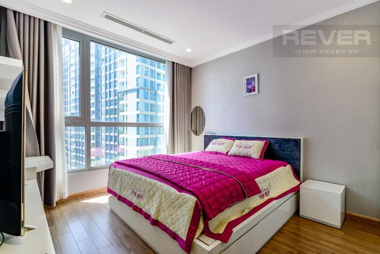Phòng Ngủ 1 Căn hộ Vinhomes Central Park 3PN nội thất đầy đủ, view sông Sài Gòn