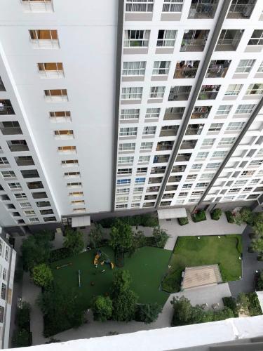 Bán căn hộ Sunrise Riverside thuộc tầng trung, diện tích 81.53m2 gồm 3 phòng ngủ và 2 toilet.
