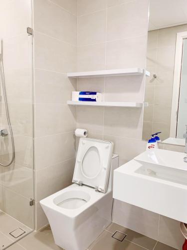 Phòng tắm căn hộ Masteri  Millennium Cho thuê căn hộ Masteri Millennium thuộc tầng trung, 1 phòng ngủ, diện tích 30m2, đầy đủ nội thất
