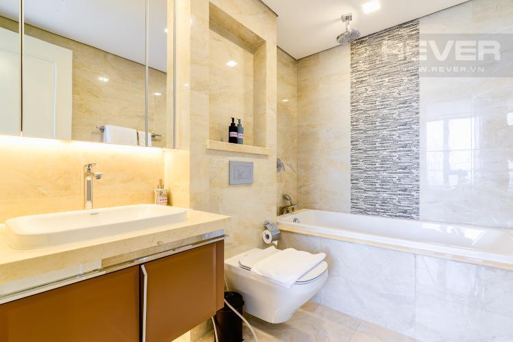 Phòng Tắm 2 Căn hộ Vinhomes Golden River tầng cao, tháp A1, gồm 3 phòng ngủ, 2 phòng tắm, full nội thất