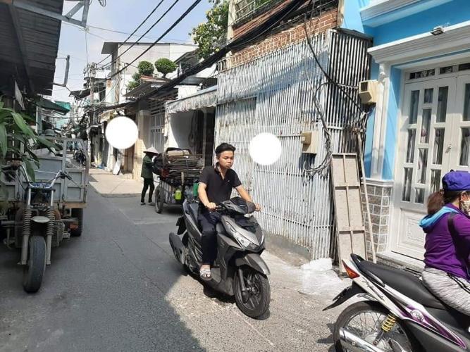Hẽm Nhà phố hẻm đường Tôn Thất Thuyết, phường 3, quận 4, diện tích đất 130.8m2, diện tích sử dụng 128.8m2
