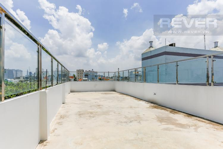 Sân Thượng Tầng 3 Tòa nhà kinh doanh đường Lâm Văn Bền hướng Đông diện tích 440m2