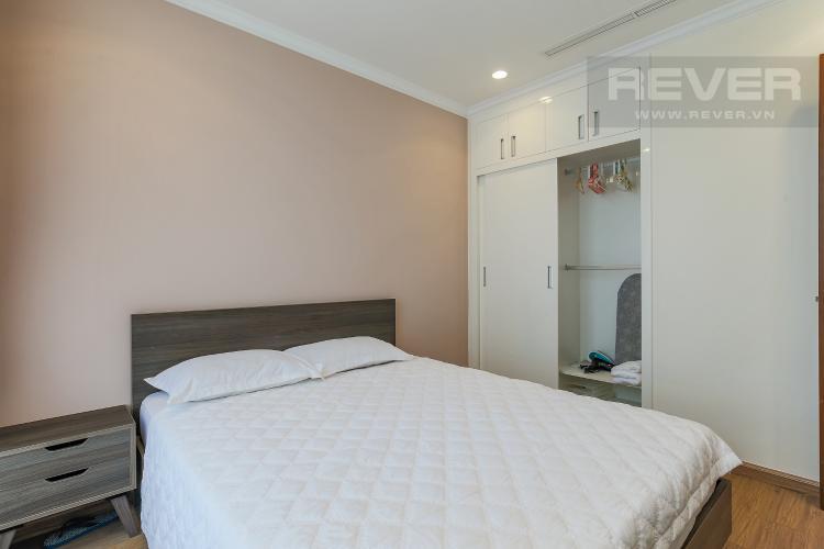 Phòng Ngủ 2 Cho thuê căn hộ Vinhomes Central Park 3 phòng ngủ, đầy đủ nội thất, view nội khu