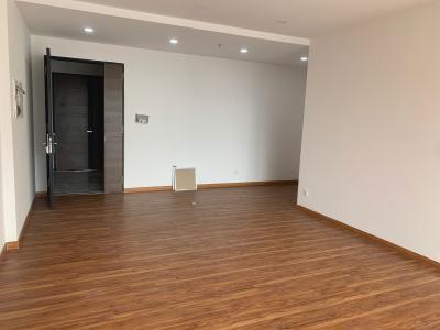 Shophouse Phú Mỹ Hưng Midtown nội thất cơ bản, lót sàn gỗ.