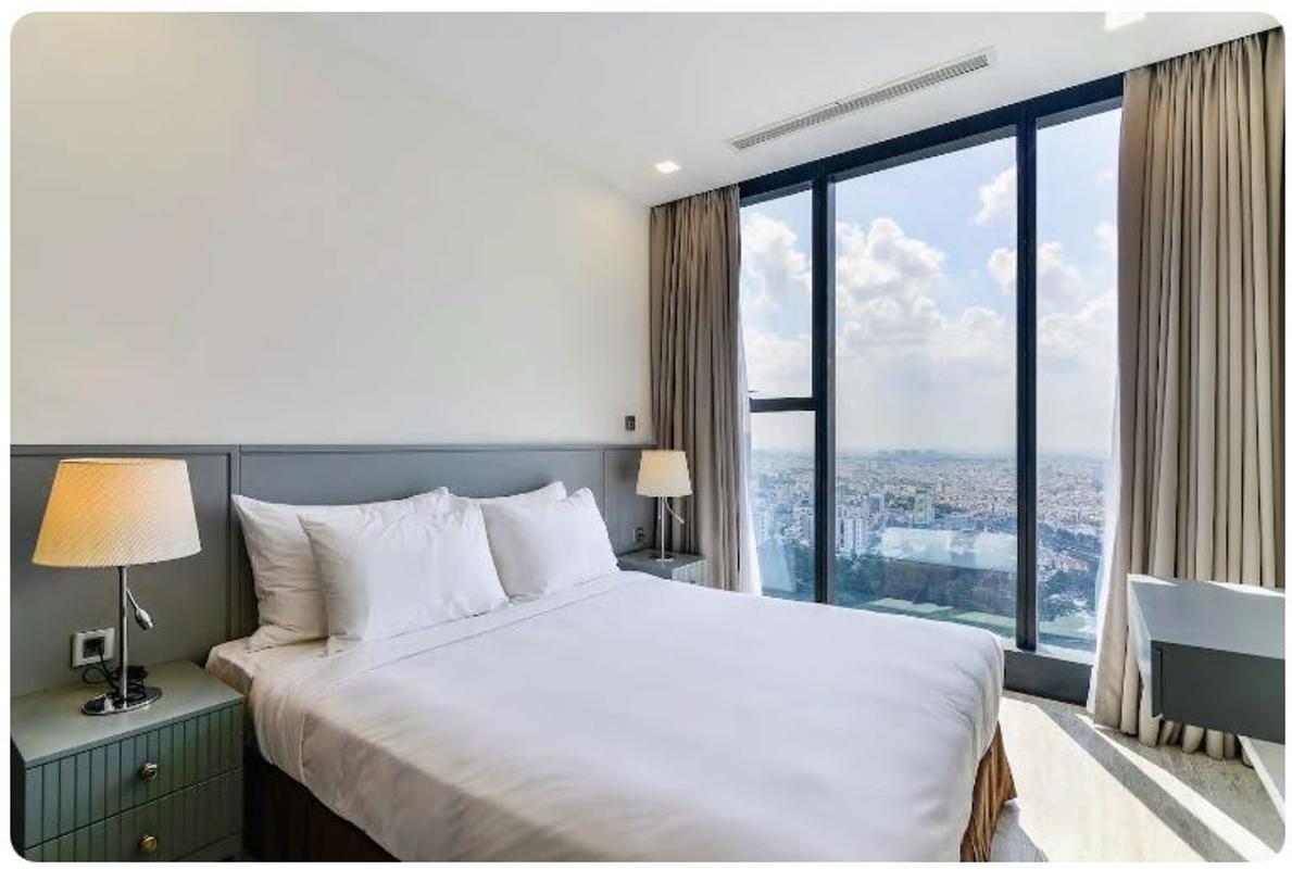 06 Bán căn hộ Vinhomes Golden River 2PN, tháp The Aqua 1, nội thất cơ bản, view sông và Landmark 81