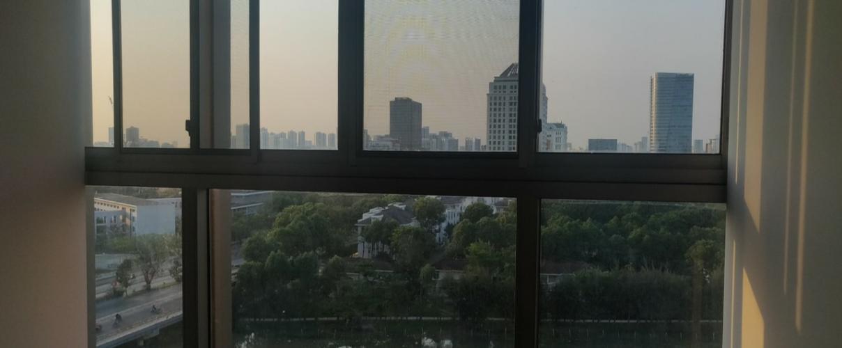 view nhìn ra phía ngoài căn hộ midtown Căn hộ Phú Mỹ Hưng Midtown nội thất cơ bản, tiện ích đa dạng.