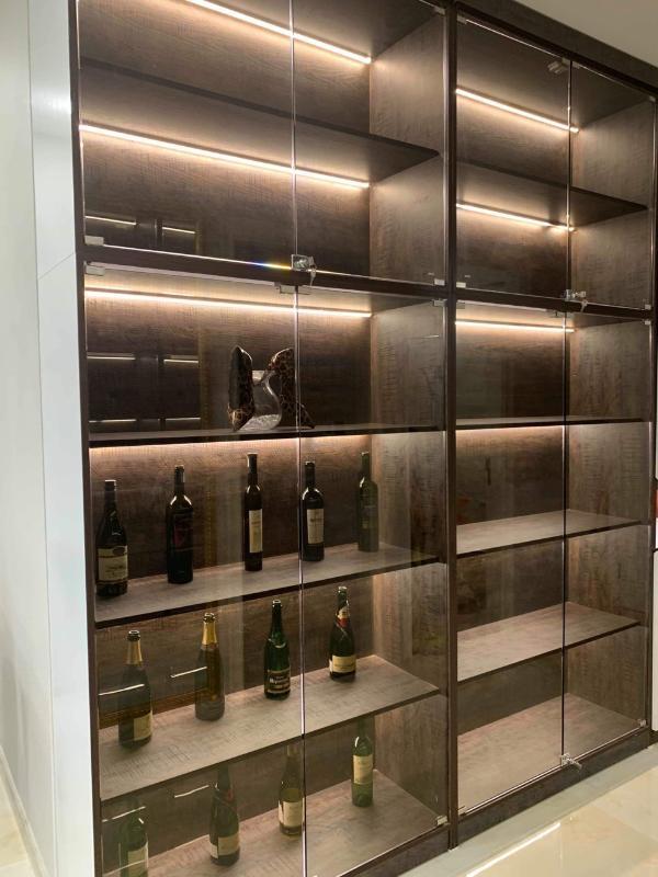 Tủ rượu Bán hoặc cho thuê căn hộ Vinhomes Golden River 2PN, tháp The Aqua 2, diện tích 68m2, đầy đủ nội thất cao cấp, view Bitexco