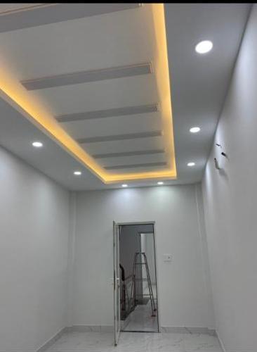 Bán nhà 3 tầng hẻm Nguyễn Thần Hiến, Quận 4, diện tích đất 37m2, sổ hồng chính chủ