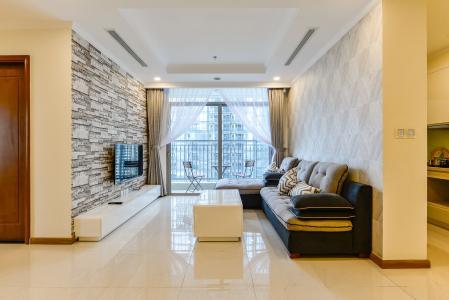 Căn hộ Vinhomes Central Park tầng trung, tòa Landmark 6, 4 phòng ngủ, full nội thất