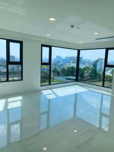 Bán căn hộ 3PN Kingdom 101 Quận 10, tầng 21, không có nội thất, view thành phố