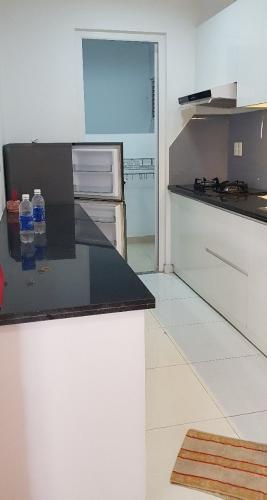Phòng bếp căn hộ City Gate Căn hộ City Gate tầng cao nội thất đầy đủ, view nội khu hồ bơi.