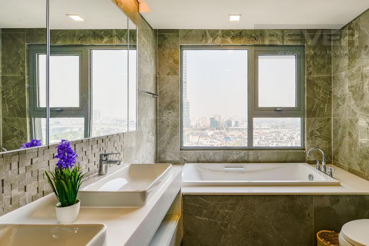 Phòng tắm 2 Căn hộ Vinhomes Central Park 3 phòng ngủ tầng trung P4 view sông