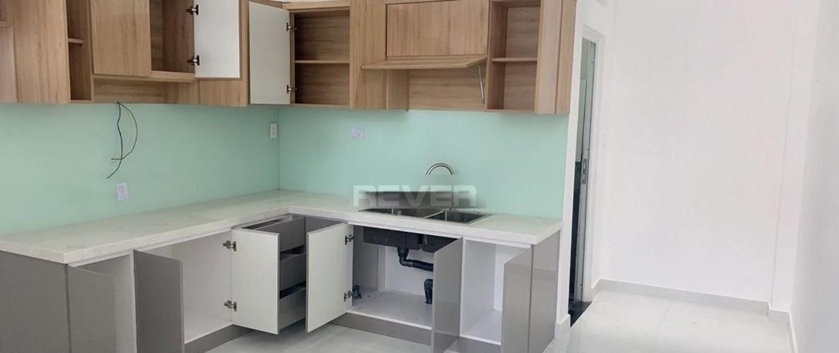 Phòng bếp nhà Quận 12 Nhà phố Quận 12 hướng Nam diện tích sử dụng 248m2, hẻm xe hơi.