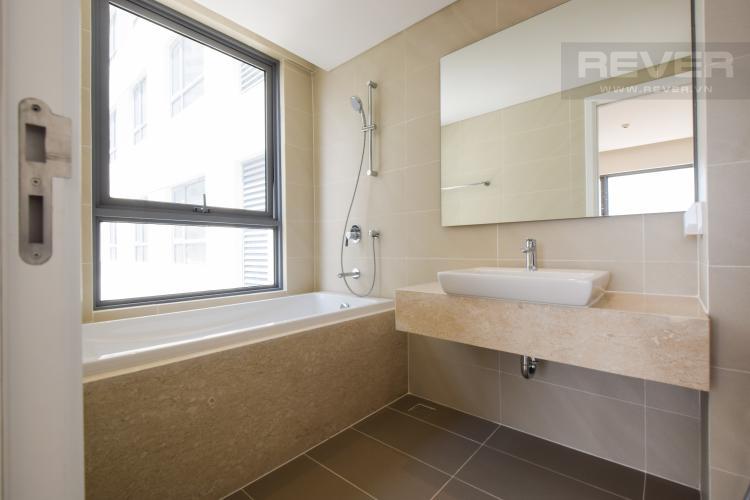 Toilet 3 Bán hoặc cho thuê căn hộ Diamond Island tầng thấp 2PN, đa tiện ích
