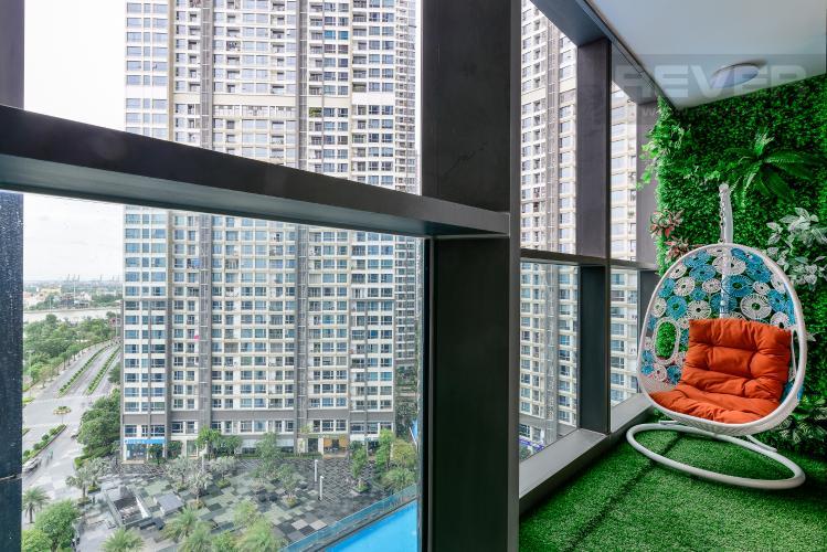 Balcony Bán căn hộ Vinhomes Central Park 1PN, tháp Landmark 81, đầy đủ nội thất, view trực diện hồ bơi