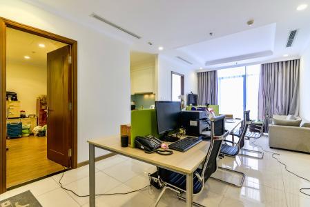 Căn hộ Vinhomes Central Park 3 phòng ngủ tầng cao L2 nội thất cơ bản