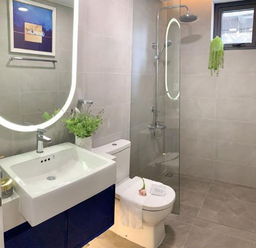 Nhà vệ sinh D'Lusso Quận 2 Căn hộ D'Lusso tầng trung, 2 phòng ngủ, bàn giao nội thất cơ bản.