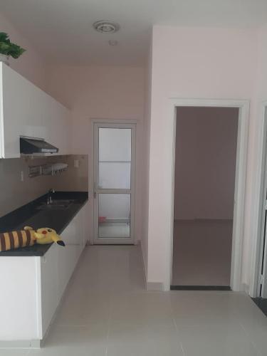 Bán căn hộ Sunview Town tầng thấp, diện tích 53m2 - 2 phòng ngủ, nội thất cơ bản.