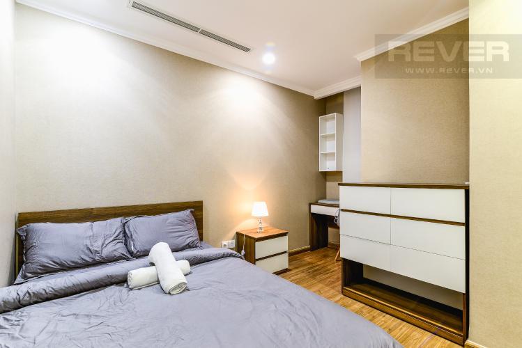 Phòng Ngủ 2 Căn hộ Vinhomes Central Park 2 phòng ngủ tầng cao L1 nội thất đầy đủ
