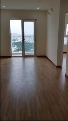 Căn hộ tầng cao Diamond Riverside đón view thành phố.