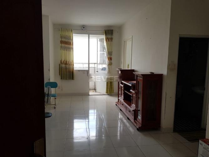 Phòng khách căn hộ Lotus Apartment Căn hộ Lotus Apartment cửa hướng Tây, ban công hướng Nam đón gió.