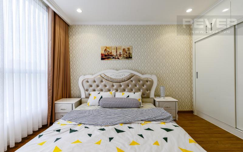 phòng ngủ 1 Căn hộ Vinhomes Central Park tầng cao L1 nội thất cao cấp, view sông