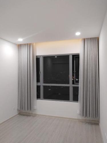 Căn hộ Palm Heights tầng trung, hướng Tây Bắc, nội thất cơ bản.