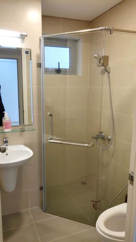 Phòng tắm căn hộ The Lux Garden Căn hộ Lux Garden tầng 5 view nội khu, bàn giao nội thất đầy đủ.