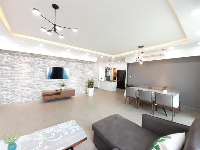 Căn hộ tầng cao Riviera Point đầy đủ nội thất hiện đại sang trọng.