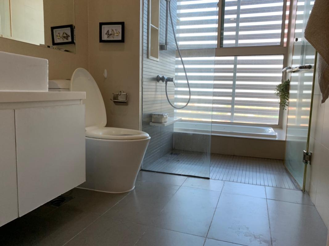 Phòng tắm Bán hoặc cho thuê căn hộ The Vista An Phú 4PN, tháp T3, diện tích 172m2, đầy đủ nội thất