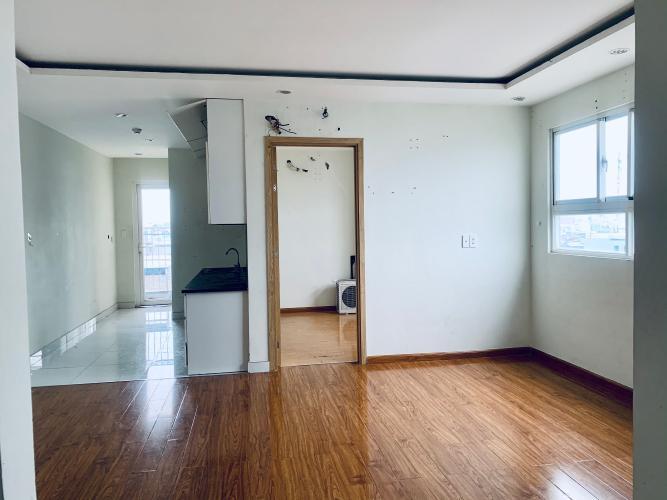 Phòng khách I-Home 1, Gò Vấp Căn hộ I-Home 1 tầng 4, 2 phòng ngủ, view nội khu hồ bơi.