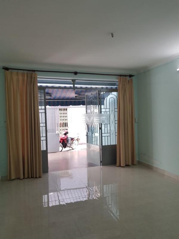 Bán nhà hẻm Lâm Văn Bền, nhà mới vào ở ngay, diện tích 51m2.