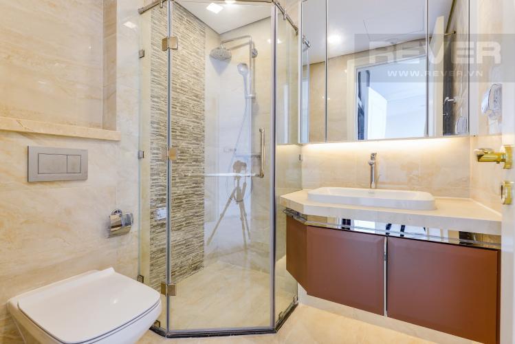 Phòng tắm 2 Bán căn hộ Vinhomes Golden River tầng cao, 2PN view sông, nội thất cơ bản