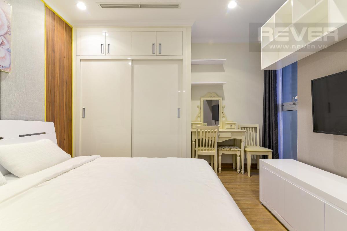8074b1114a95accbf584 Cho thuê căn hộ Vinhomes Central Park 3PN, tầng cao, đầy đủ nội thất, view sông thông thoáng