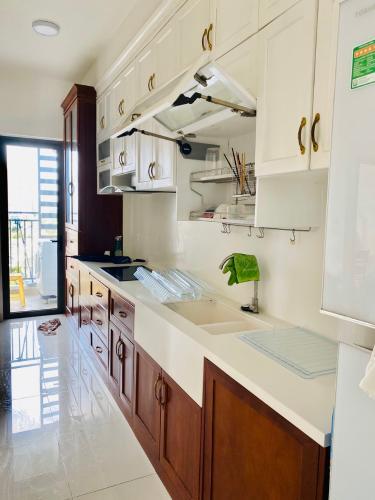 Bếp căn hộ The Sun Avenue Bán căn hộ The Sun Avenue nội thất cao cấp, view thành phố.