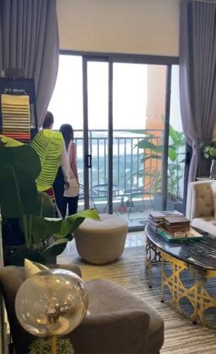 không gian căn hộ The Sun Avenue Căn hộ The Sun Avenue đầy đủ nội thất, view thành phố.
