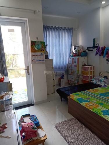 Phòng ngủ nhà phố Quận 9 Nhà phố trung tâm quận 9, sổ hồng đầy đủ, sân thượng rộng rãi.