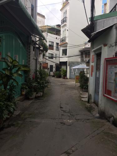 Nhà phố Bình Thạnh Bán nhà phố 1 tầng đường Phan Văn Trị, phường 11, Bình Thạnh, diện tích đất 43.9m2, sổ hồng chính chủ