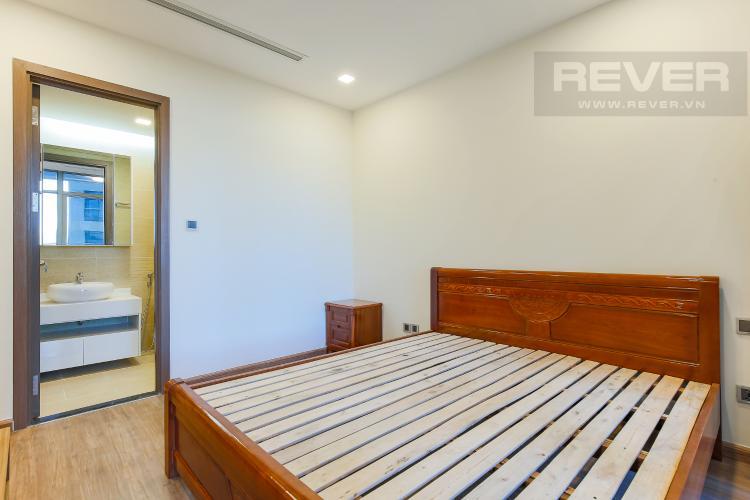 Phòng Ngủ 1 Căn hộ Vinhomes Central Park 3 phòng ngủ tầng thấp P7 view hồ bơi