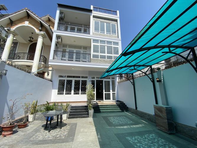 SÂN biệt thự KDC Nam Long Q7 Biệt thự KDC Nam Long nội thất cơ bản, tông trắng, thiết kế hiện đại.