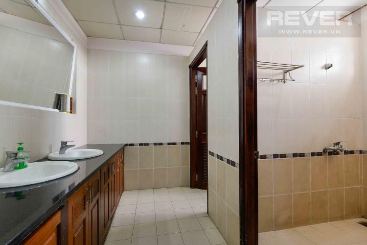 Toilet Tòa nhà văn phòng cho thuê 1 trệt 3 lầu mặt tiền đường Lương Định Của, Quận 2