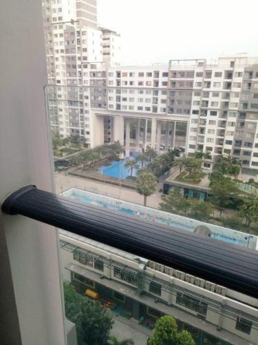 view Căn hộ New City Thủ Thiêm tầng trung, nội thất đầy đủ.