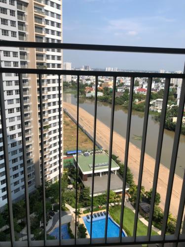 Bán căn hộ Palm Heights 2PN, diện tích 80m2, không có nội thất, ban công Đông Nam