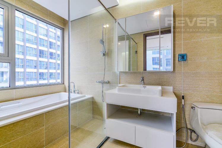 Phòng Tắm 2 Căn hộ Vinhomes Central Park tầng cao Park 4 nội thất cơ bản